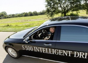 Mercedes-Benz-S-500-Intelligent-Drive-self-driving-car